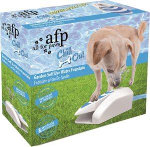 outdoor drinkfontein hond buiten